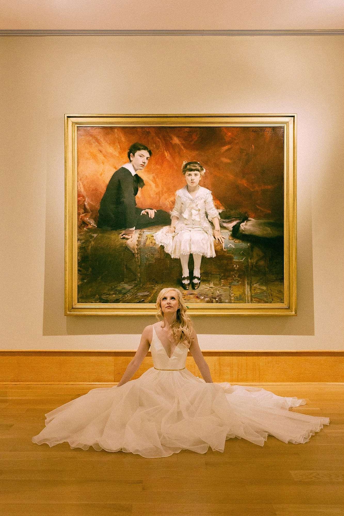des moines art center wedding bride in gallery